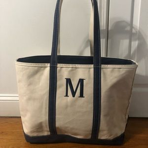 L. L. Bean Large zippered Weekender Tote